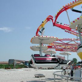 super twist amusement rides1