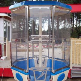 technical-park-amusement-rides-ferris-weelClosed Octagonal high